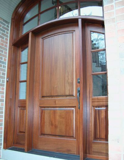 Exterior-Curved-Top-Door-with-Transom-and-Sidelites