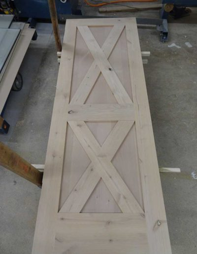 Knotty-Alder-Barn-Style-Door
