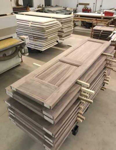 Rustic-Walnut-2-Panel-Slabs